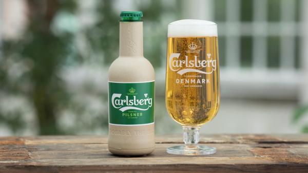 Carlsberg jobber med å ta fram øl på papirflaske
