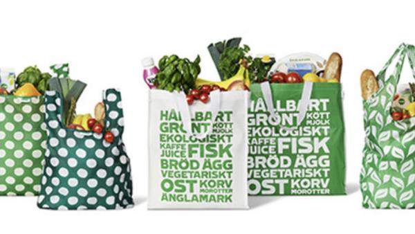 Svenska mataffärers strävan efter att ersätta plastpåsen